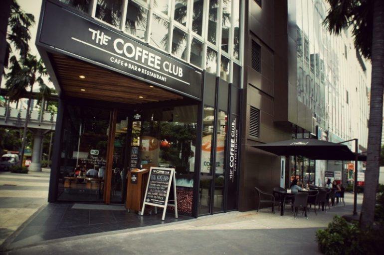 The Coffee Club エカマイの正面入口
