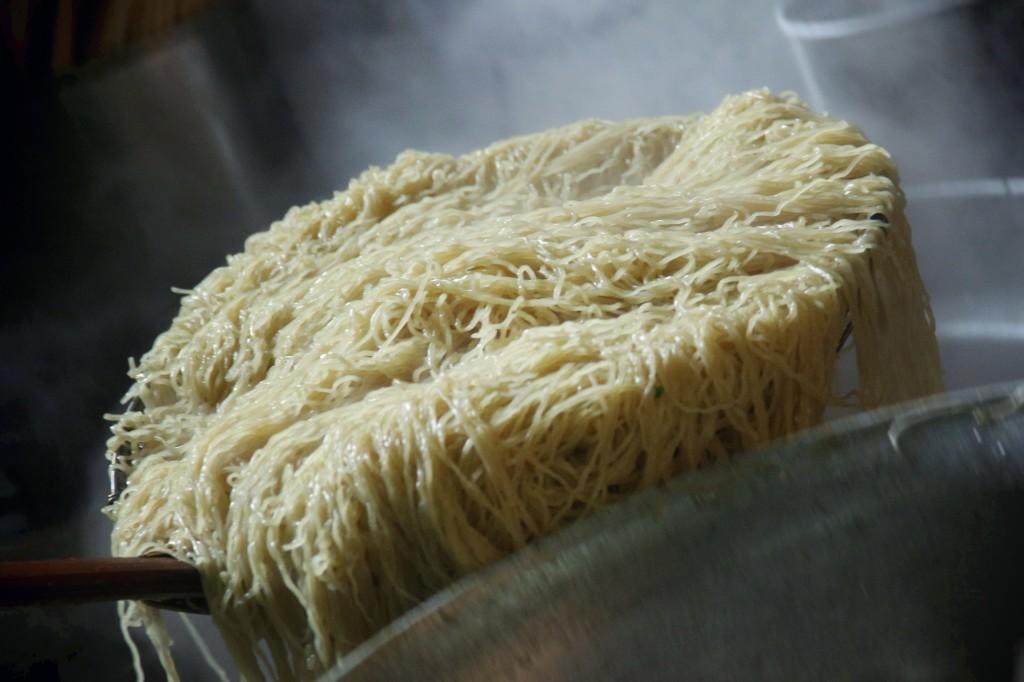 こんな麺の量見たことネェ!