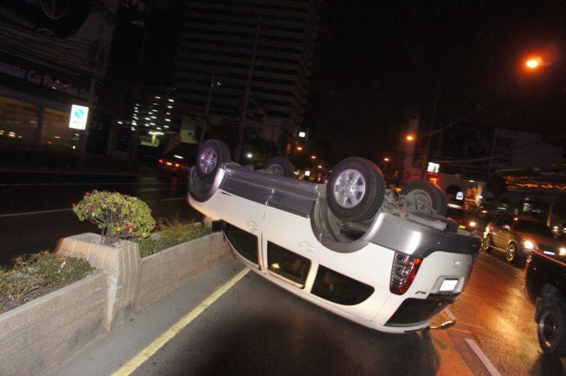 昨年のソンクランで遭遇した自動車事故