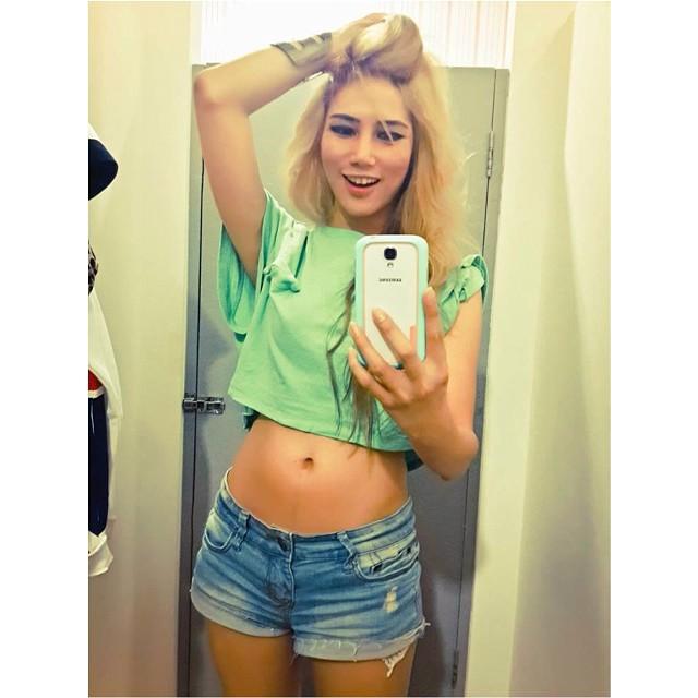 http://instagram.com/milamia_