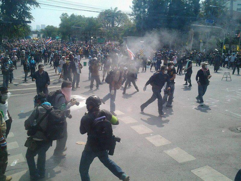 過激化する市内のデモ
