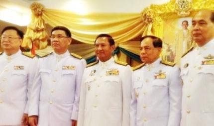 スパチャイ委員長を含む5名の委員