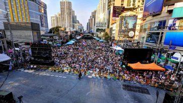 見た目はフェスデモ、でもフェスではない現在のバンコクについて