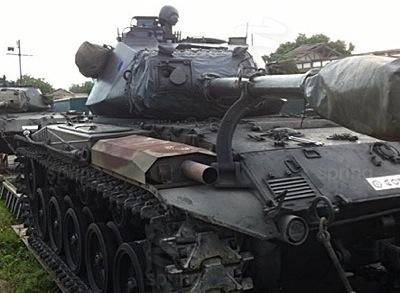 市街に出現した戦車