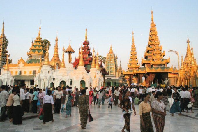 ミャンマーの夕方