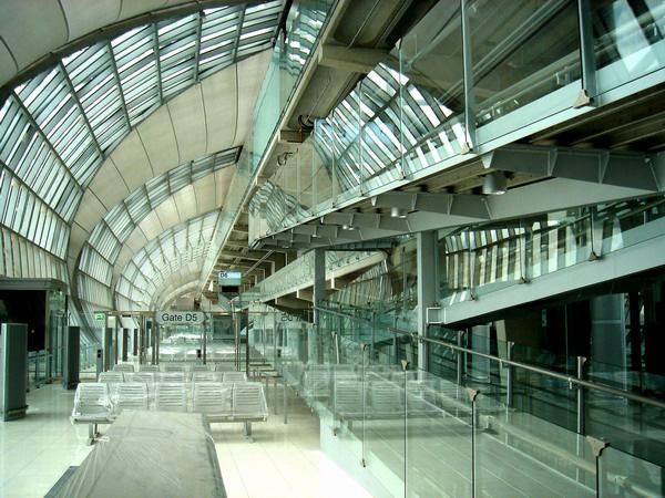 空港内全域で使える感度の良いWIFI