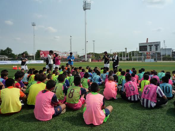 今回はタイの小学生約130名が参加