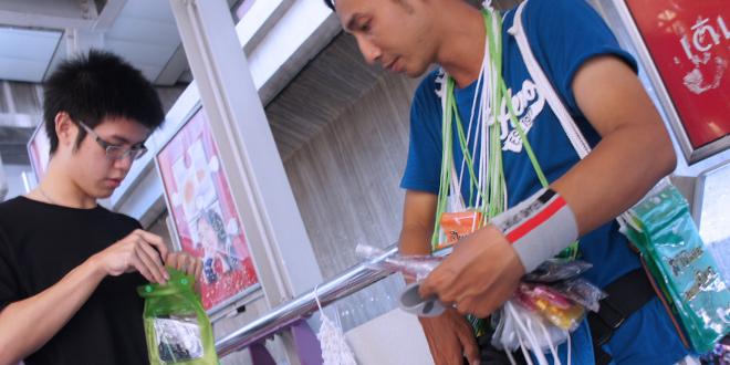 ソンクラン水かけ祭りに参加するための必須の装備