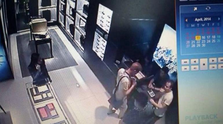 防犯カメラに映った犯人の映像