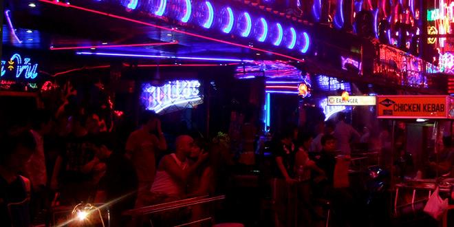 バンコクの夜の繁華街