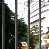 バンコク都内の交差点ラチャプラソンが閉鎖