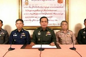 大陸軍司令官がテレビを通してクーデター宣言