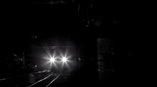 暗闇の電車