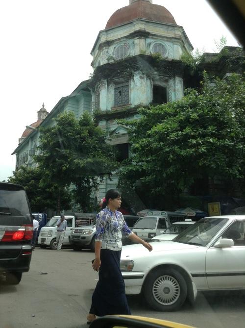 塗装前の古い建物