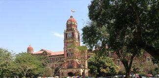 古い建物が目立つミャンマー