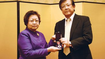 タイ人の翻訳・通訳家が旭日章を受賞
