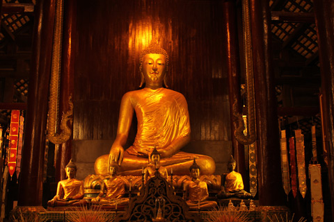 仏教行事の日は酒販売が出来ません。