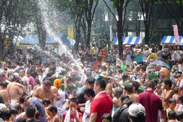 埼玉県で行われる水かけまつりソンクラン