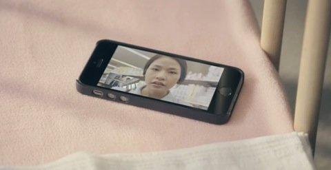 手元に置いたiPhone
