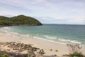 シーチャン島のビーチ