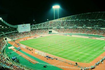 ラジャマンガラスタジアムでスペシャルマッチ開催