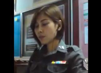 タイの女性警官によるきれいな歌声
