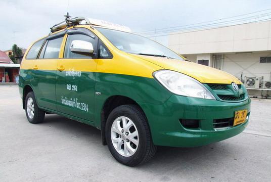 大型タクシーは60B〜80B割増