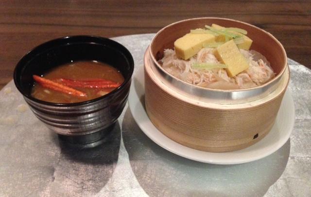 ベニズワイガニのご飯と味噌汁