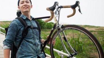 タイでお父さんのために自転車で走るイベント