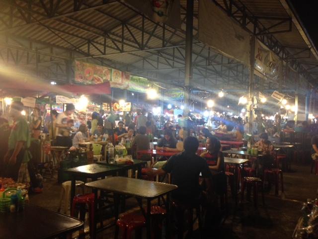 これぞ、タイの食堂の雰囲気!