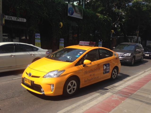 安心安全がウリの絶対に乗車拒否しないタクシー、まだあまり見かけない