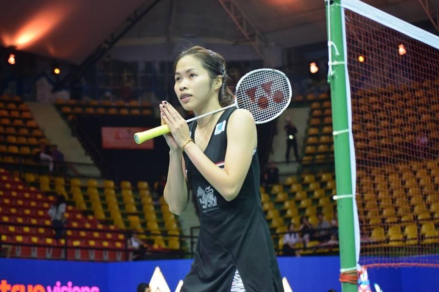 タイの伝統的挨拶ワイを見せるラチャノック・インタノン選手