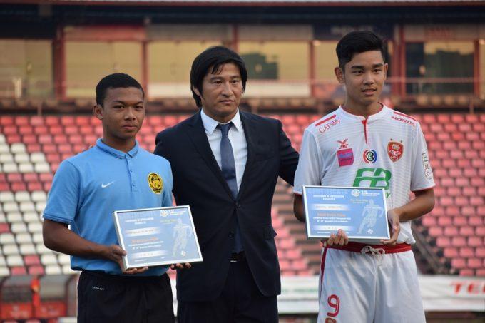 左からモハマド・クッサニ選手、木場氏、グンタポン・キーリーレーン選手