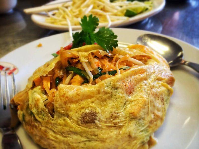 美味しそうなタイ焼きそば ©wongnai