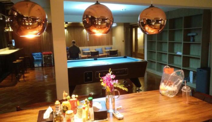 THE POSH a luxury hostel