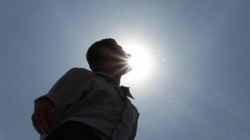 頭上を太陽が通過する日 ©thairath
