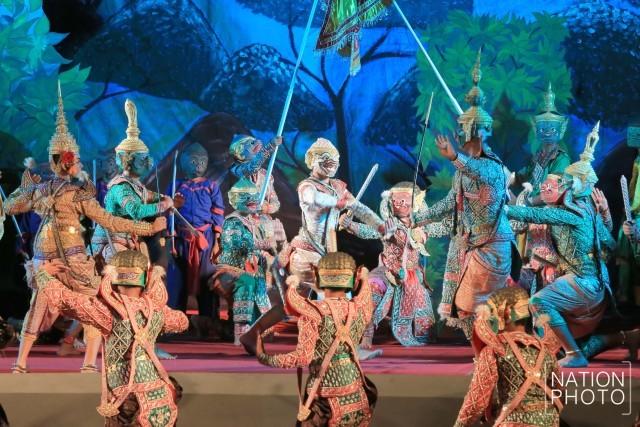 タイの仮面舞踊劇「コーン」の舞台の様子 ©Nation TV