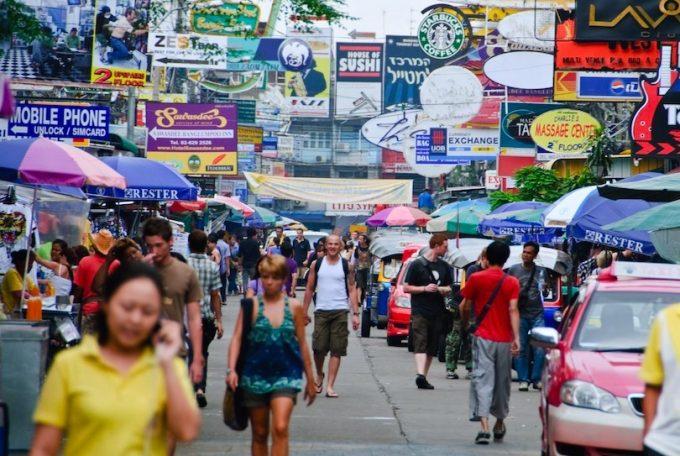 旅行サイト「Touropia」による、世界で最も有名な通り トップ10入りを果たしたバンコクのカオサン通り ©Kapook!