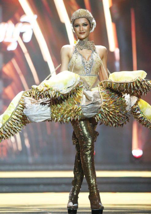 Best National Costumeに選ばれた「ミス・グランド・チャンタブリー」の衣装 @prachachat