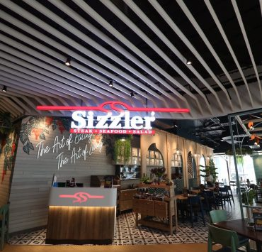 Photo by Sizzler Thailand FB.