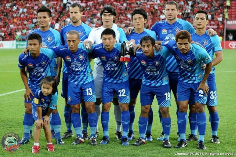 2011シーズンのチョンブリFC。櫛田一斗(22番)にとってはタイリーグでの 1シーズン目となった