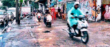 通報者には謝礼、バンコクの歩道バイク走行に罰則強化