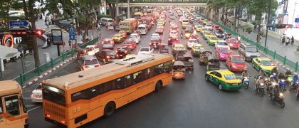 タイの悪質タクシーの取り締まり強化