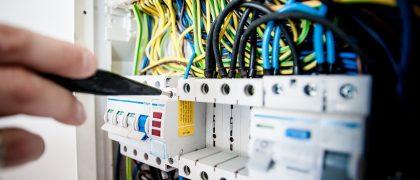 バンコクの電気料金にチャージ制を試験導入