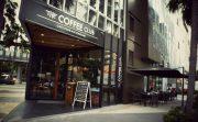 やっぱりカフェブーム!?タイの老舗のコーヒーショップ VS オーストラリアのカフェレストラン
